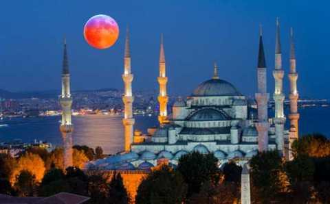Турция увидит «Голубое кровавое суперлуние»