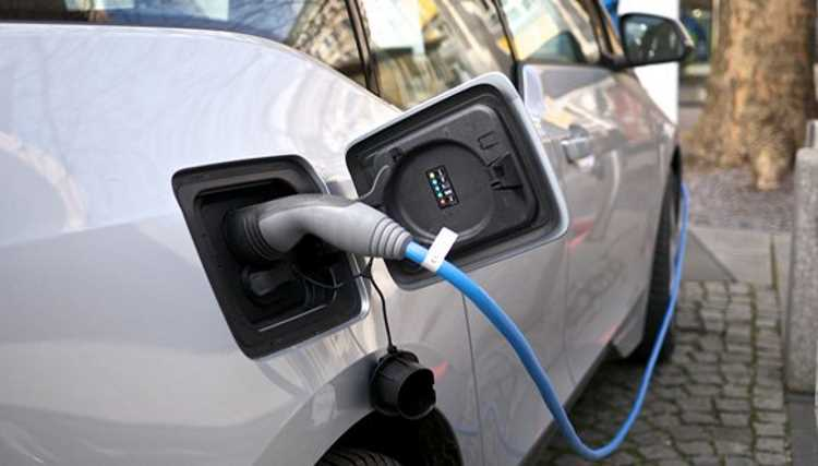 Власти намерены ввести налог на электромобили