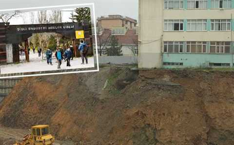 Стамбульский лицей стал опасным местом для обучения