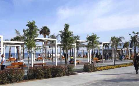 В Анталии открыли часть обновленной набережной