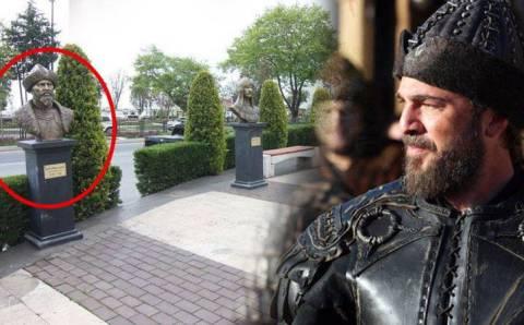 Памятник Эртугрулу вызвал бурную критику