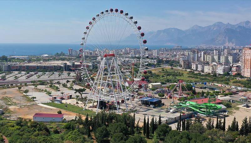 Лунапарки в Турции откроются с 6 июля