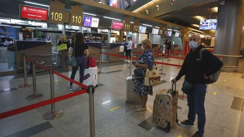 Первые самолеты приземлились в Стамбуле и Москве