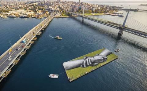 Проект Beyond Walls добрался до Стамбула