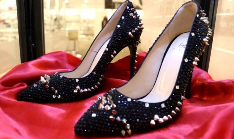 Туфли за 100 000 лир можно купить в Анталье