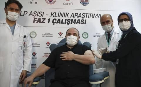 Министр получил вторую дозу турецкой вакцины