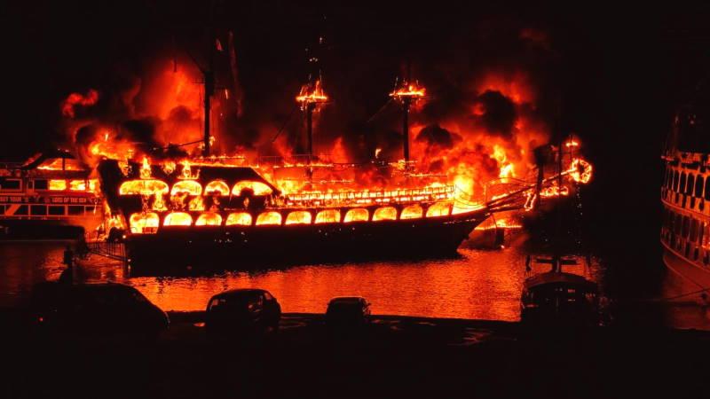 В Аланье сгорели 4 прогулочных судна