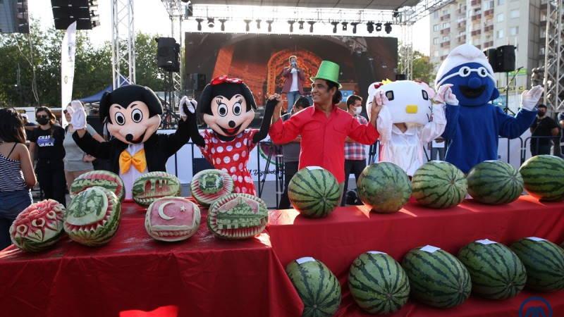 Фестиваль арбуза и 45-килограммовый рекордсмен