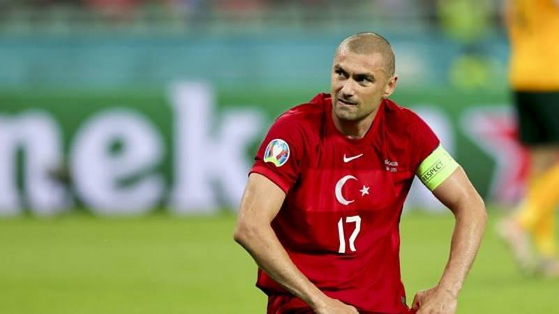 Сборная Турция упускает победу на последней минуте