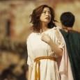 """《羅馬浴場》將於8月31日全台上映,故事講述一位古代羅馬浴場設計師(阿部寬飾),時空穿越來到現代日本,他在日本領略到了先進的""""湯文化"""",並將這些先進理念以及不合時宜的穿越物帶回到古羅馬,一次次穿越引發了羅馬澡堂的文明大躍進……"""
