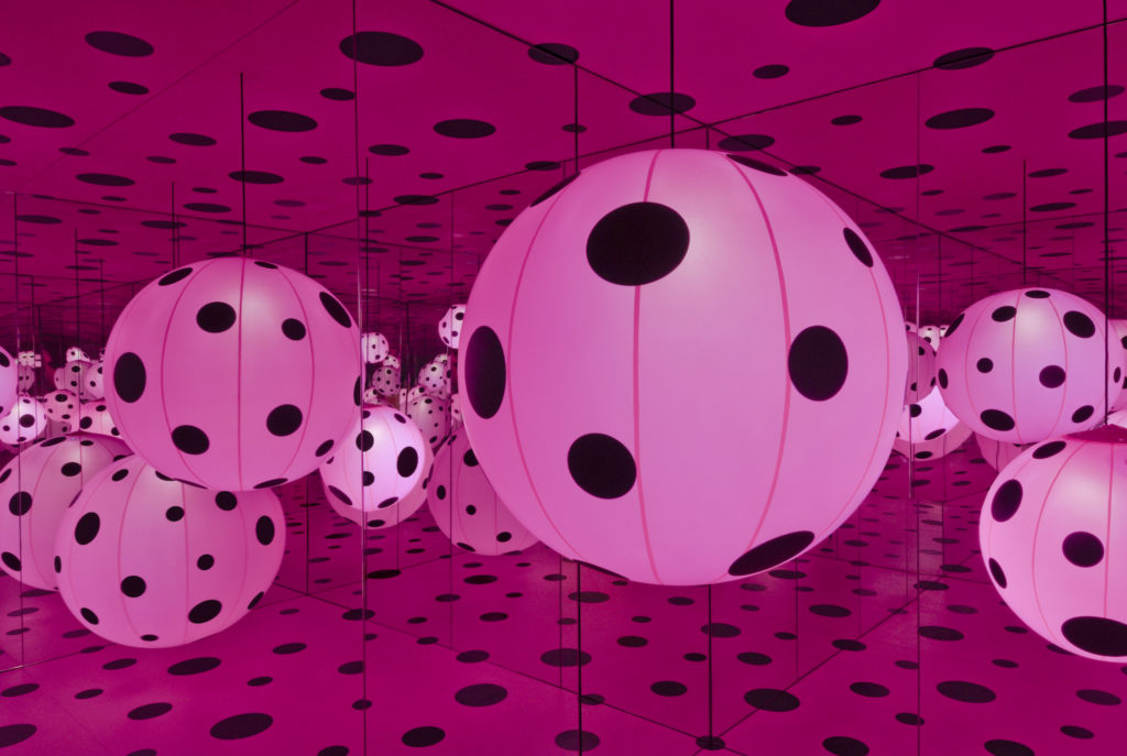 Yayoi Kusama, Dots Obsession – Love Transformed Into Dots (2007) at the Hirshhorn Museum and Sculpture Garden. Courtesy of Ota Fine Arts, Tokyo/Singapore; Victoria Miro, London; David Zwirner, New York. © Yayoi Kusama. Photo by Cathy Carver.
