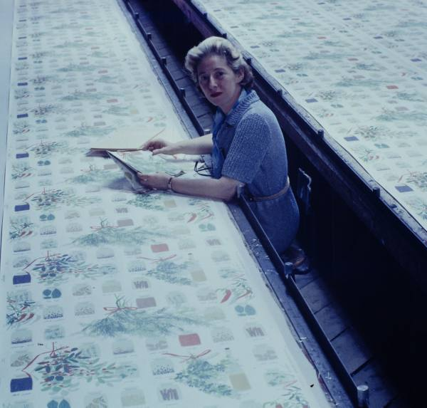 Vera Neumann at Printex, c. 1950s. Courtesy Collection Susan Seid.