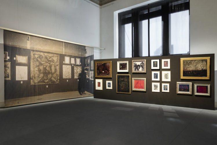 草間彌生:回顧展,裝置圖,2021年,格羅皮烏斯·鮑(Gropius Bau)攝影:盧卡·吉拉迪尼(Luca Girardini)