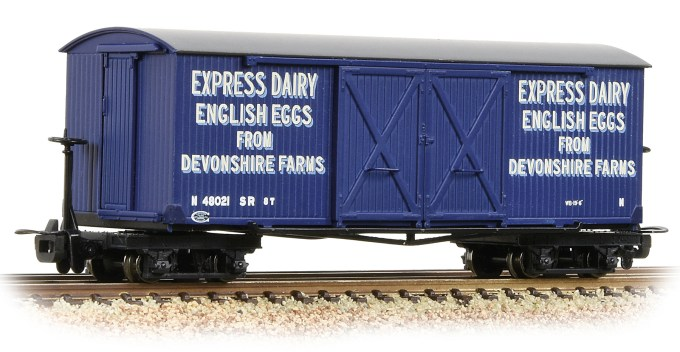 NEW 2019  Bachmann OO9 Bogie Covered Goods Wagon 'Express Dairy Company' Blue (393-029)