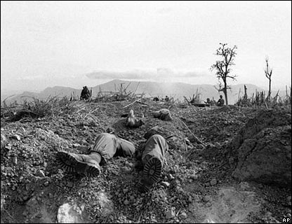 photo de presse: soldat mort: guerre du VietNam