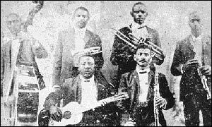 Buddy Bolden (segundo desde la izquierda) fue pionero de la improvisación en el jazz