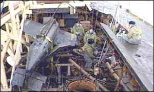 BBC News   NEWS   俄發表沉沒潛艇首批內艙照