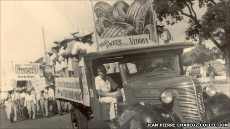 Truck carrying workers recruited for the rubber plantations - Photo courtesy Jean Pierre Chabloz Collection, Federal University of Ceara