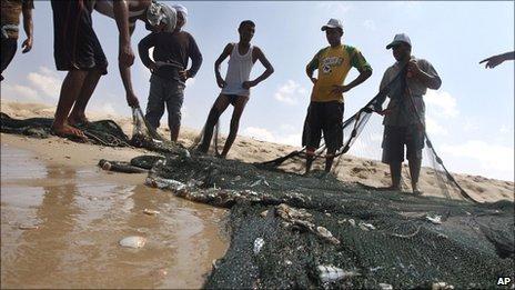 Fishermen with empty nets
