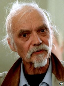 Swedish actor Per Oscarsson seen in this Jan. 5, 2000 file picture during a recording of the TV series Mr. Von Hancken.