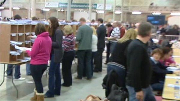 Inside Dublin's vote count centre - BBC News