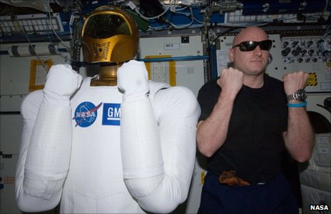Robonaut 2, Scott Kelly