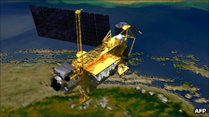 NASA satellite UARS nearing Earth 'could land anywhere'