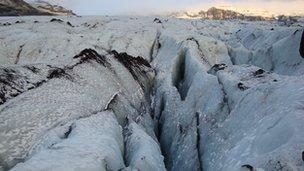 Iceland fissures 1 December 2010