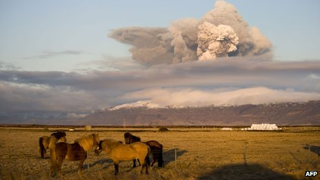 Smoke billows from a volcano in Eyjafjallajokull on 16 April 2010
