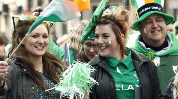 BBC News - In Pictures: London celebrates St Patrick's Day