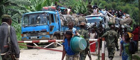 People fleeing fighting in eastern DR Congo, May 2012