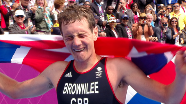 Alistair Brownlee wins triathlon gold