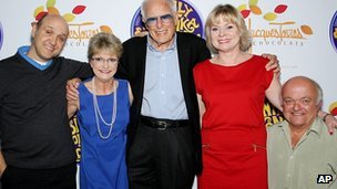 Paris Themmen, Denise Nickerson, Mel Stuart, Julie Dawn Cole and Rusty Goffe