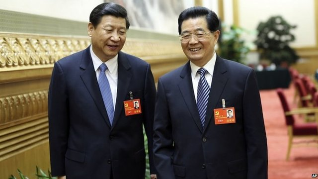 The new leader, Jinping (L) and the old, Hu Jintao (R)