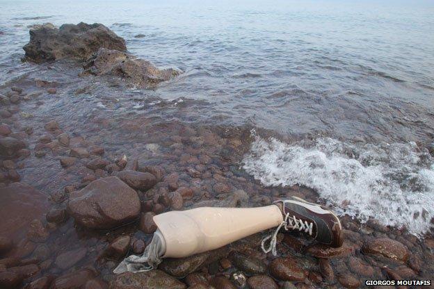 False leg lies washed ahore on beach