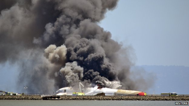 Asiana Airlines plane on fire (7 July 2013)