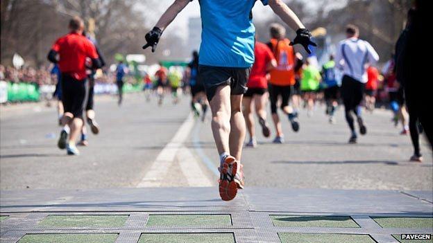 Marathon runners on Pavegen tiles