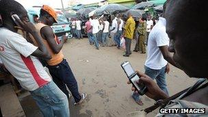 Mobile phone users in Abidjan
