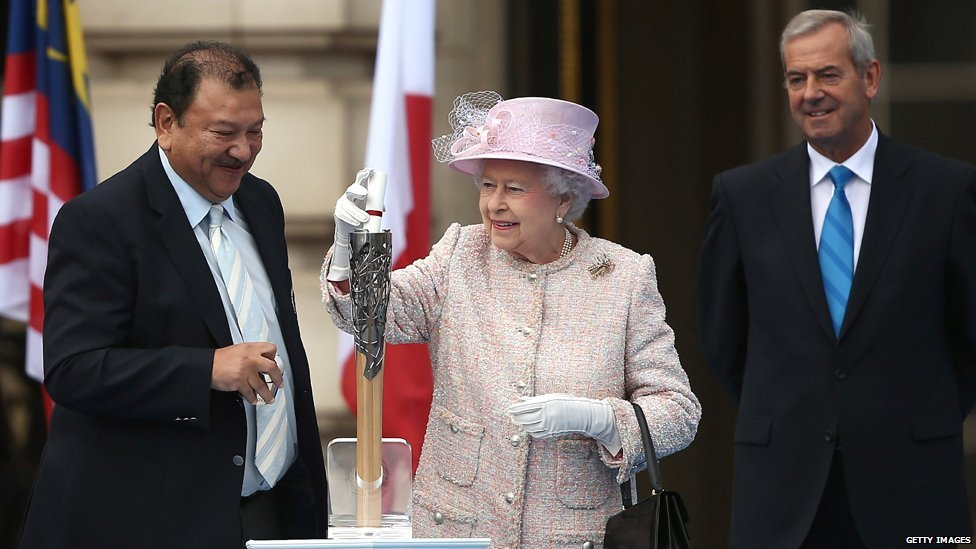 https://i1.wp.com/news.bbcimg.co.uk/media/images/70375000/jpg/_70375112_queen_message1_getty.jpg