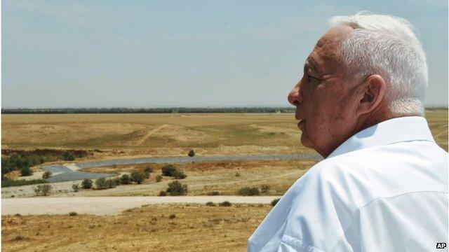 Ariel Sharon in Nitzanim, north of Gaza (May 2005)