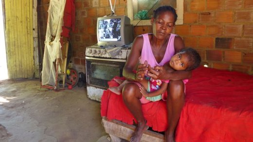 Woman and child in the quilombo