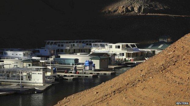 Houseboats docked at Holiday Harbor (23 January 2014)