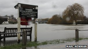 Flooding at Shepperton Lock. Photo: Marc Newman