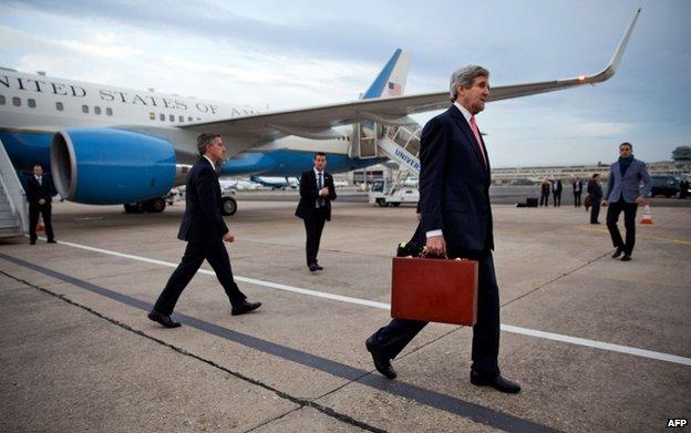 73909431 021715147 1 Ukraine crisis: US and Russia set for Paris talks