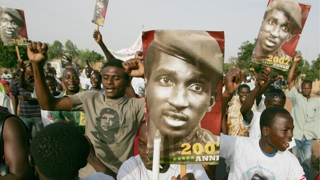 Supporters of assassinated Captain Thomas Sankara commemorate the 20-year anniversary of his killing  in Ouagadougou  (14 October 2007)