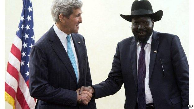 South Sudan's President Salva Kiir Mayardit (R) meets US Secretary of State John Kerry in Juba, South Sudan - 2 May 2014