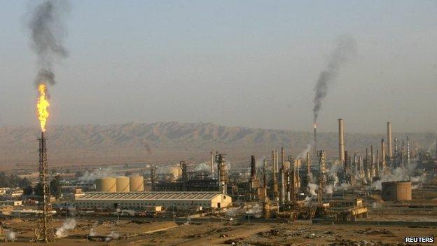 Baiji oil refinery (January 2009)