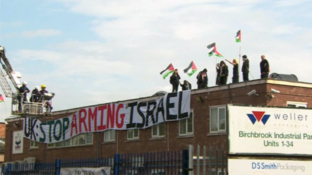 Protesters at Shenstone factory