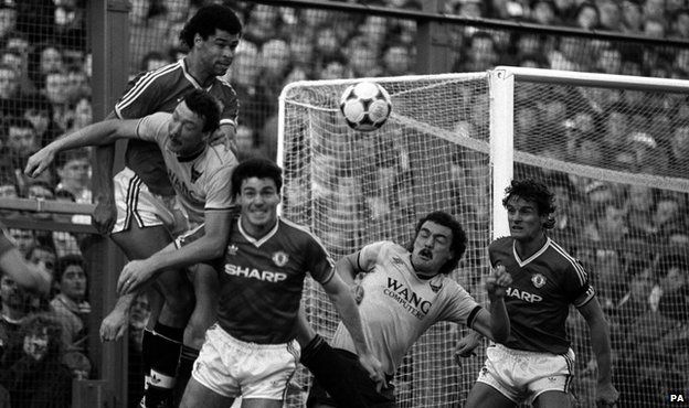 Oxford United against Manchester United in 1986