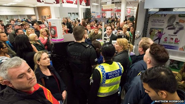 Police at Cardiff Tesco store